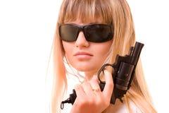 Reizvolle Frauen-Holding-Gewehr Stockbild