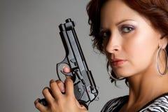 Reizvolle Gewehr-Frau lizenzfreies stockbild