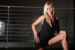Reizvolle herrliche blonde Frau Lizenzfreies Stockfoto