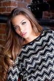 Reizvolle herrliche junge Frau Stockfoto
