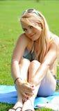 Reizvolle junge blonde Frau im Bikini Lizenzfreies Stockfoto