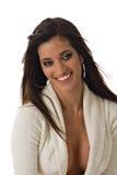 Reizvolle lächelnde hispanische Frau Stockfoto