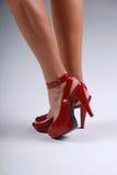 Reizvolle rote Schuhe. Lizenzfreie Stockbilder