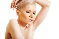 Reizvolle Schönheit mit Verfassung der sauberen Haut u. des natürlichen Tages Stockbilder