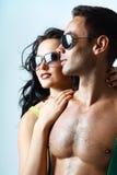 Reizvolle stilvolle junge Paare Lizenzfreie Stockfotos