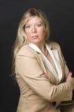 Reizvoller blonder Frauenunternehmenskopfschuß Lizenzfreies Stockbild