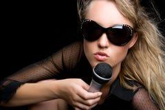 Reizvoller Sänger Stockfoto