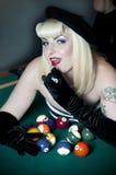 Reizvolles Billiard-Mädchen Lizenzfreie Stockfotos
