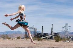 Reizvolles blondes Art und Weisemädchen Lizenzfreies Stockfoto