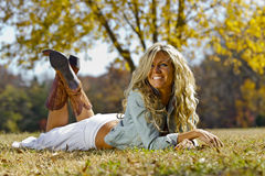 Reizvolles blondes Baumuster Stockfotografie