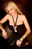Reizvolles blondes Frauenart und weisebaumuster Stockfotografie