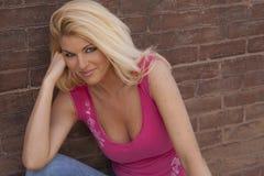 Reizvolles blondes Frauenbaumuster Stockfotografie
