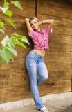 Reizvolles blondes Mädchen Stockfotografie