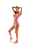 Reizvolles Mädchen, das im Bikini steht Lizenzfreie Stockbilder