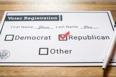 Rejestr wyborczy karta z partią republikańską wybierał - zakończenie Up Obraz Royalty Free