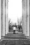 Rejilla de arriba Geo de la perspectiva áspera de la textura de la silla de las columnas del cemento Imágenes de archivo libres de regalías