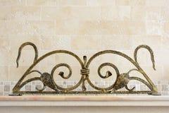 Rejilla ornamental del hierro labrado para la chimenea Deta decorativo Foto de archivo libre de regalías