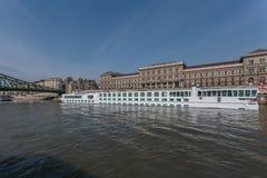 Rejs łódź na Rzecznym Danube Obrazy Stock