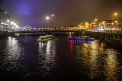 Rejs łódź w noc kanałach Amsterdam Zdjęcia Royalty Free