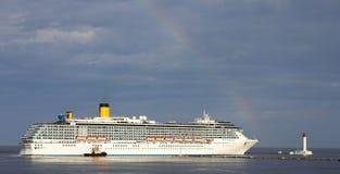 rejs opuszczać portowego biel liniowu Zdjęcie Royalty Free
