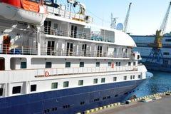 Rejs podróży statek w porcie fotografia stock