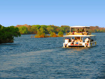 Rejsu Zambezi rzeki zambiowie i Zimbabwe - Wiktoria spadki - Zdjęcie Stock