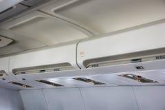 Rek in de Cabine van het Vliegtuig stock afbeelding