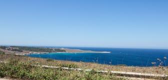 Rek van kustlijn dichtbij otranto, Italië Stock Foto's