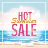 Reklama o lato sprzedaży na tle z pięknym tropikalnym morze plaży widokiem również zwrócić corel ilustracji wektora ilustracji