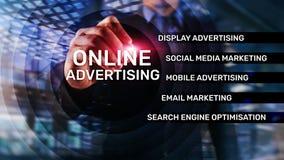 Reklama online, Cyfrowego marketing Biznesu i finanse pojęcie na wirtualnym ekranie zdjęcia royalty free