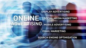 Reklama online, Cyfrowego marketing Biznesu i finanse poj?cie na wirtualnym ekranie fotografia stock
