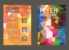 Reklamblad broschyrdesignmallar Geometriskt triangulärt abstrakt begrepp Royaltyfri Bild