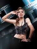 Reklamblad för filmbiokvinna. stilfull kvinnareklamblad Royaltyfria Bilder