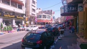 Reklamfilmen shoppar i det Nablus centret Royaltyfri Bild