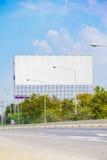 Reklamuje billboardy obok drogi fotografia stock