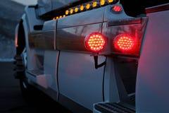 REKLAMY ciężarówka Z OBYCZAJOWYM chromem i oświetleniem obraz royalty free