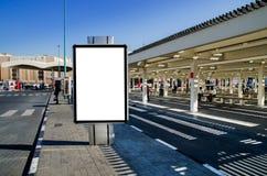Reklamy przestrzeń z ścinek ścieżką w przystanku autobusowym Zdjęcie Stock