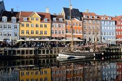 Rekonesansowy nyhavn kana? w Kopenhaga mie?cie Dani obraz stock