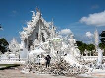 Rekonstruera den vita templet, Chiang Rai Arkivbild