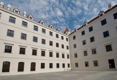 Rekonstruerad Bratislava slott - Slovakien Arkivfoto
