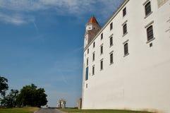 Rekonstruerad Bratislava slott - Slovakien Arkivbild