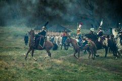 Rekonstruktion av den historiska striden mellan de ryss- och Napoleons soldaterna från den ryska staden av Maloyaroslavets arkivbild