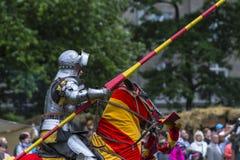 rekonstruktion för riddare för stridfestival historisk Arkivbilder