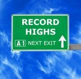 REKORDHOCH-Verkehrsschild gegen klaren blauen Himmel lizenzfreie stockfotografie