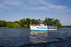 Rekreacyjna łódź Obrazy Royalty Free