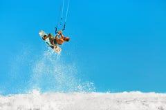 Rekreacyjna Wodnych sportów akcja Kiteboarding Krańcowy sport Su Obraz Royalty Free