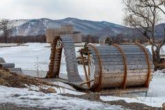 Rekreacyjny teren na banku jezioro Zdjęcia Stock