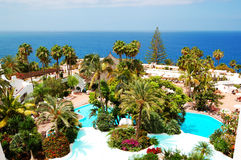 Rekreationsområde med simbassänger och stranden Royaltyfri Fotografi