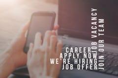 Rekryterare som annonserar för jobbvakans som söker kandidater för att hyra för affärstillfällen arkivfoto