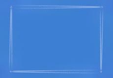 Rektangulära Contrailflygplan Arkivfoton